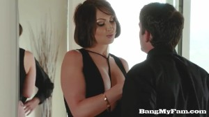 Naughty Cougar Yasmin Sucks & Fucks Her Stunned Nephew